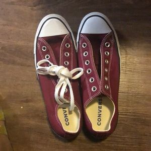 Converse shoe 👟 maroon red💥